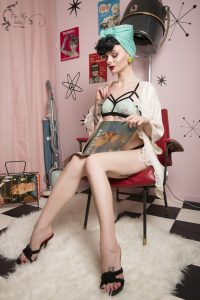 Pin-up Julie Von Trash